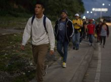 Undeterred by tightened borders, Honduran caravan continues to US