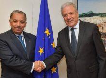 المفوض الأوروبي لشؤون الهجرة والداخلية والمواطنة يجتمع مع رئيس بعثة قطر لدى الاتحاد الأوروبي