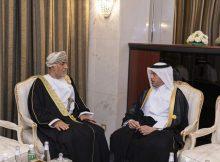 رئيس مجلس الوزراء يلتقي مستشار سلطان عمان