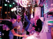 Dazzling lights, swelling crowd give Al-Quds the Ramadan feel